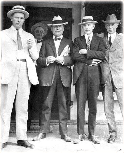 1920s-mens-hats-suits.jpg