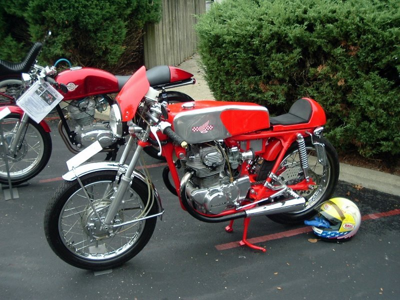 Greg_20Cafe_20HondaAMA100.JPG